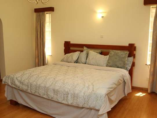 5 bedroom townhouse for rent in Kileleshwa image 17