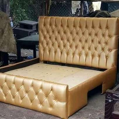 5x6 buttoned bed