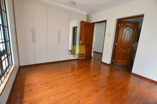 4 bedroom house for rent in Rosslyn image 12