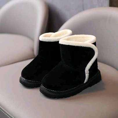 Girls warm boots image 1