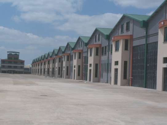 11100 ft² warehouse for rent in Mombasa Road image 5
