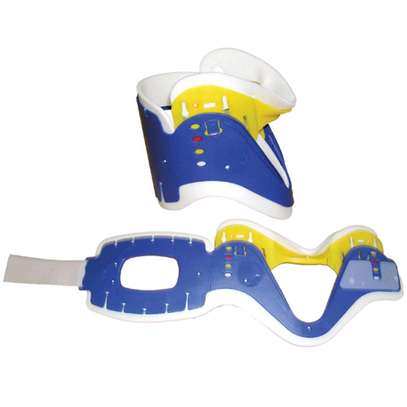 Adjustable cervical collar image 2