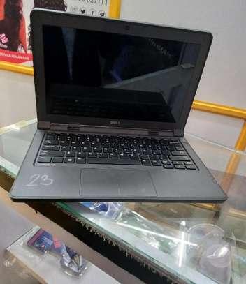 Laptop Dell Latitude 3180 4GB Intel Pentium HDD 320GB image 2