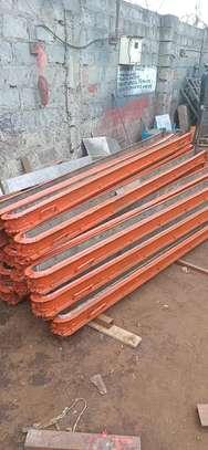 Concrete fencing post mold