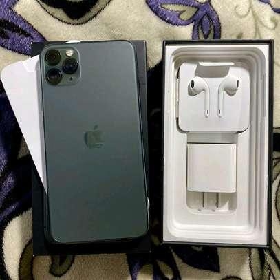 Apple Iphone 11 Pro Max Green 512 Gb In Prestine Condition image 3