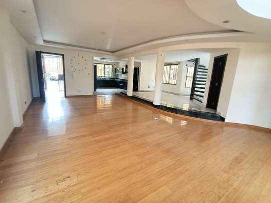 5 bedroom house for rent in Spring Valley image 10