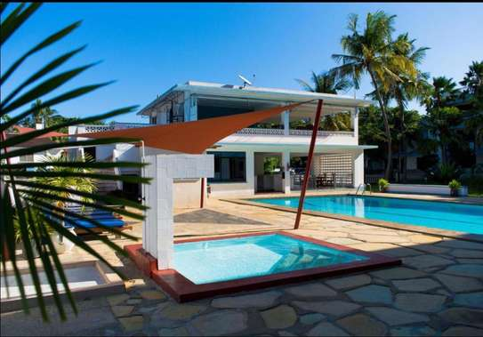 Rent 3 bedroom furnished apartments for rent in Nyali-(PARADISE) ID.504 image 2
