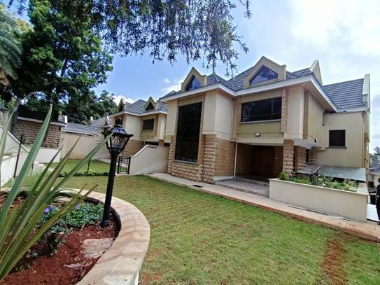 5 bedroom townhouse for rent in Lavington image 1