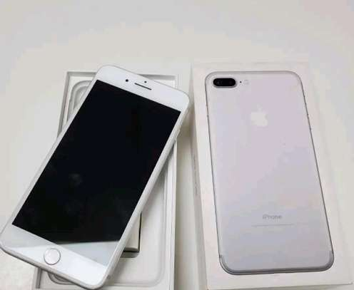 Apple Iphone 7 Plus Silver || 256 Gigabytes || In Mint Condition image 2