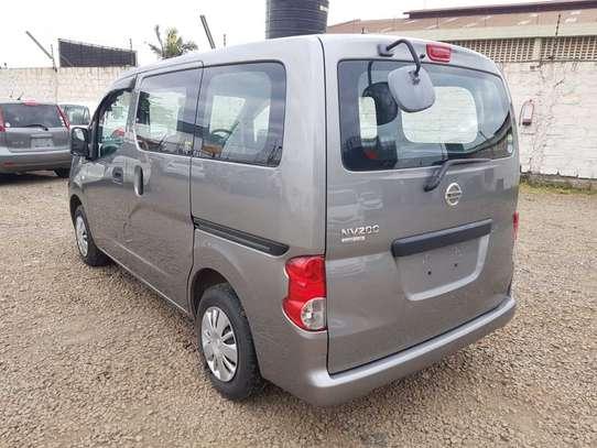 Nissan Vanette image 3