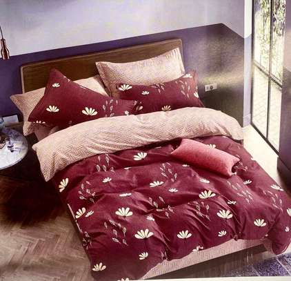 maroon 5*6 quality duvet cover image 1