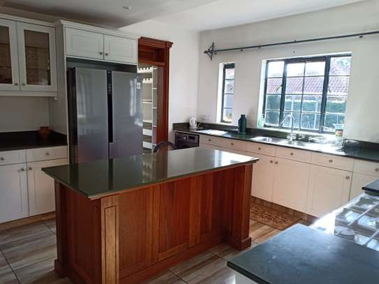 5 bedroom house for rent in North Muthaiga image 13