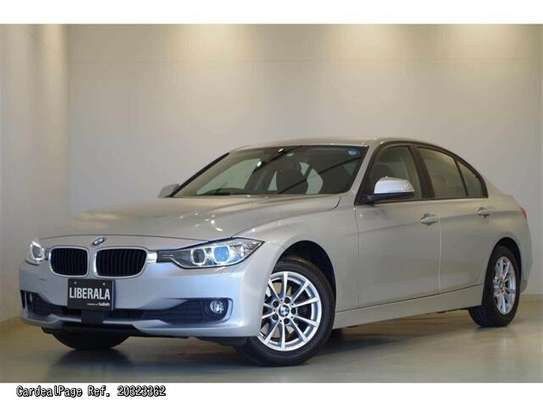 BMW 3 Series image 4
