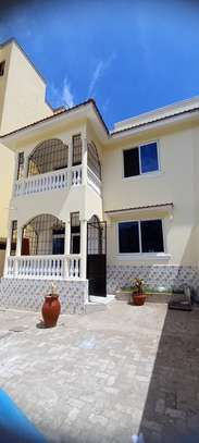 3br House for Rent In Nyali – Behind Krish Plaza. HR20 image 1