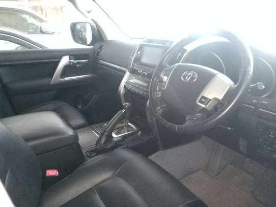 Toyota Land Cruiser 202 ZX 4.6 image 4