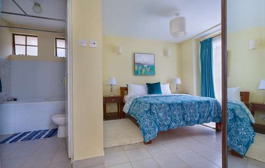 3 Bedroom Maisonette Master En-suite +DSQ image 8