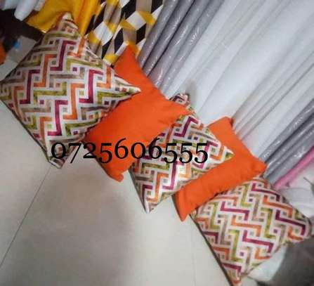 MIX AND MATCH QUALITY THROW PILLOWS image 2