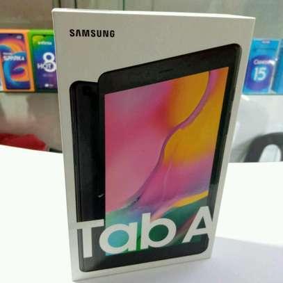 Samsung Tab 8 Tablet display 32GB storage 2GB RAM image 1