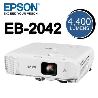 EPSON EB 2042 PROJECTOR image 1