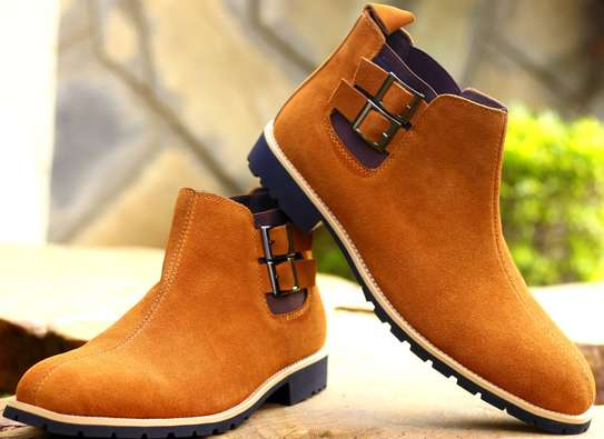 Chelsea boots image 1