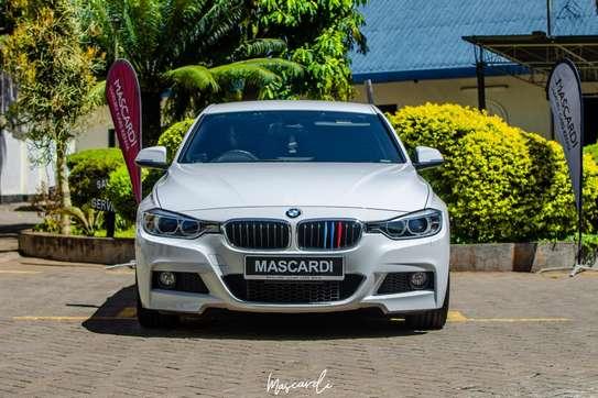 BMW 320i Sport image 5