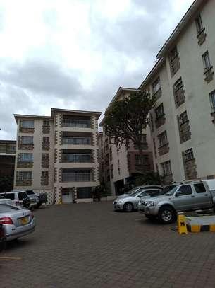2 bedroom apartment for rent in Kileleshwa image 9