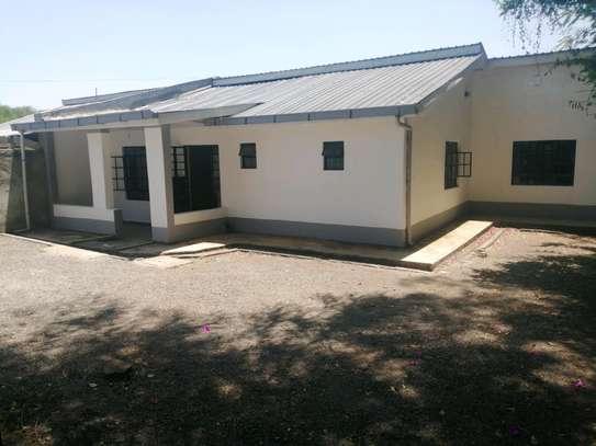 3 Bedroom all ensiute bungalow in Karen to let image 1