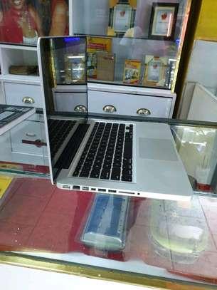 Macbook pro core i5 image 2