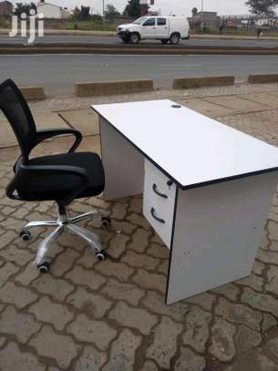 Office desk with a grommet plus a low back secretarial office chair V11S image 1