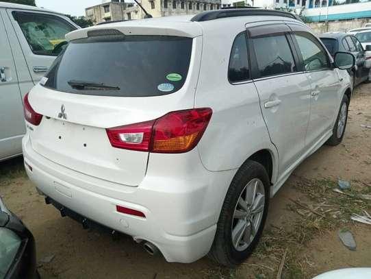 Mitsubishi RVR image 8