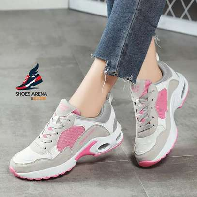 Sport shoes/Sneakers image 7