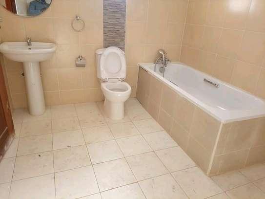 Buruburu vacant 3 bedroom maisonette image 3