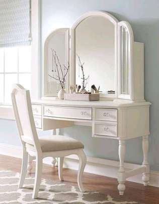 Classic customized dressing tables image 3