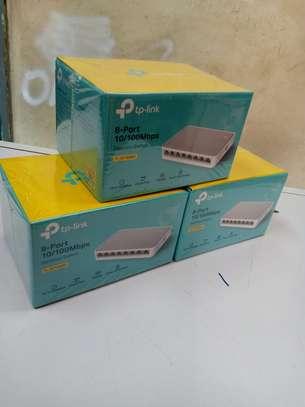 TP-LINK TL-SF1005D 5-Port 10/100 Mbps Desktop Switch image 1