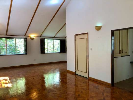 2 bedroom house for rent in Lavington image 4