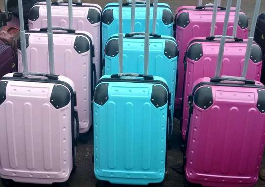 Quality durable suitcases image 2