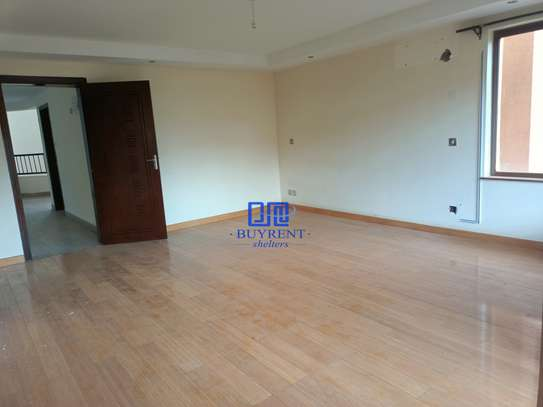 5 bedroom house for rent in Spring Valley image 17