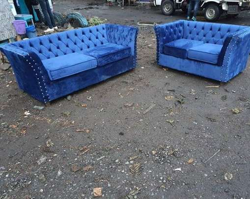 5 seater Chesterfield couch image 1