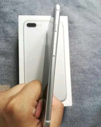 Apple Iphone 7 Plus Silver 256 Gb & Iwatch Series 4 image 4