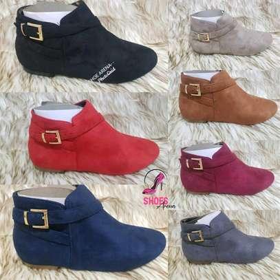 Trendy ladies boots image 1