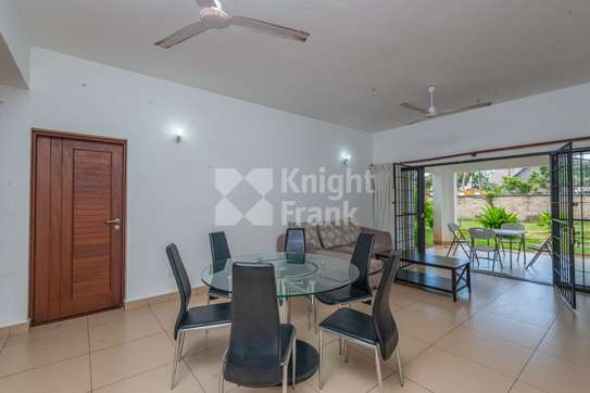 Furnished 3 bedroom apartment for sale in Bamburi image 4