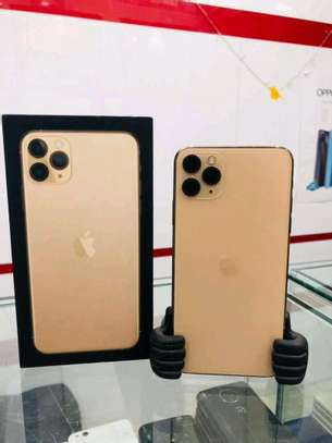 Apple iPhone 11 Pro Max 512GB Gold Edition image 2