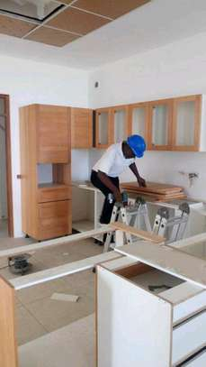 Expert And Experienced In Kitchen Cabinets Installation