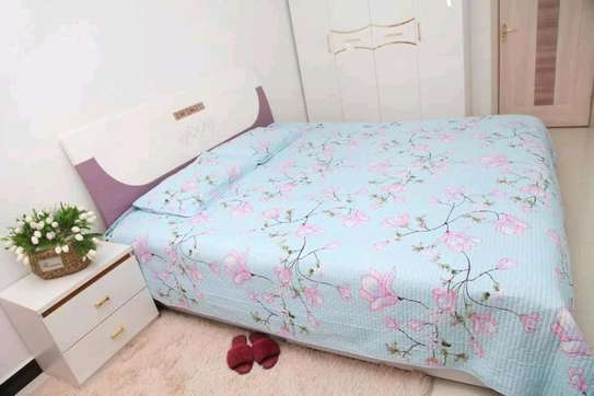 Bedcover  with 2pillowcases 6*6 image 2