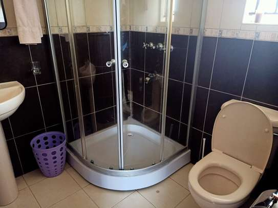 Furnished 4 bedroom house for rent in Gigiri image 13