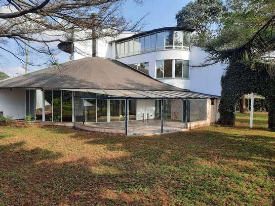 Runda - House image 3