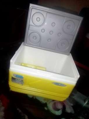 Ice cooler box image 1