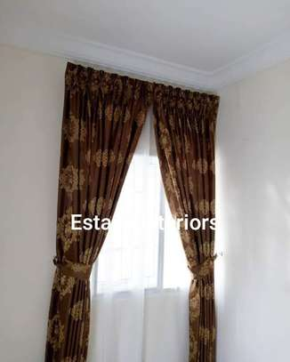 Heavy curtain image 1