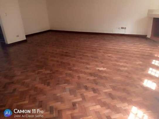 TO LET: NYARI ESTATE 5 BEDROOMS MANSION image 6