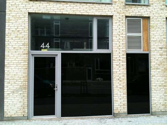 Professional Window Tinting Services | Mobile Window Tinting Service image 6